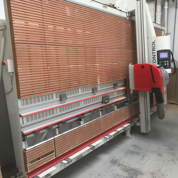 Striebig Control semi automated wall saw